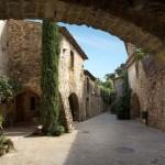 Dorf Monellls