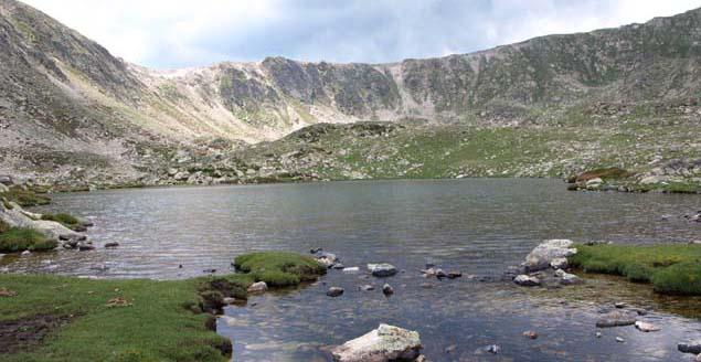 Gebirgssee im Pyrenäen-Bezirk Cerdanyanya