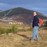 Verlassene Grenznerkaserne in den Bergen, an der Grenze zu Frankreich