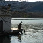 Typisches Bade- und Fischerhäuschen am See