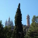 Kirche und Rundfunkturm auf dem Gipfel des Tibidabo