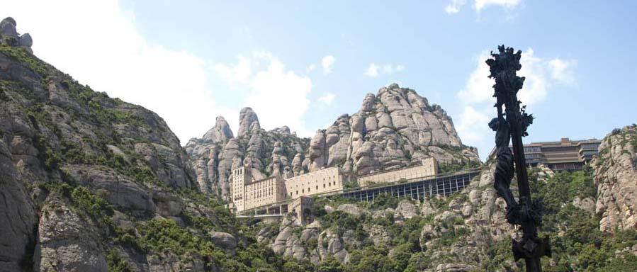 Berg und Kloster Montserrat, nur 60 km von Barcelona entfernt!