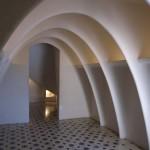 Katalanische Kettenbögen im Dachboden der Casa Batlló