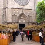 Mercadillo delante de Santa Maria del Pí