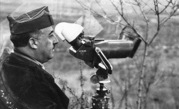 Franco, auf seinem Beobachtungsstand im Laufe der Schlacht am Ebro